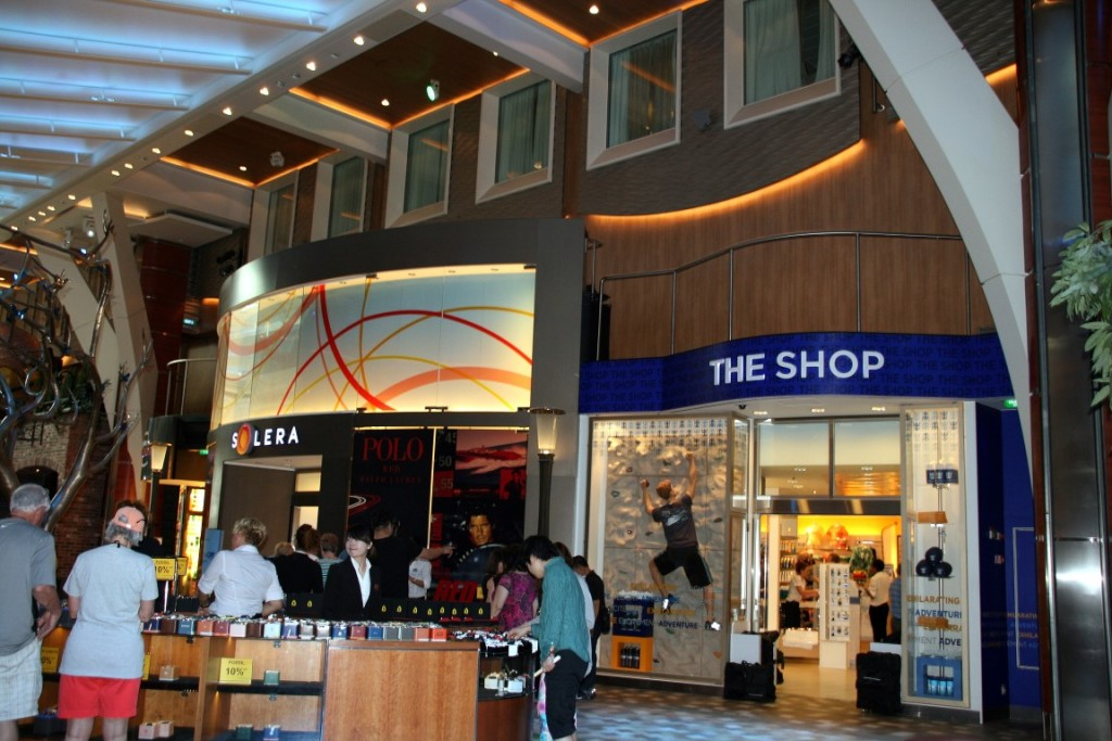 Einkaufsmöglichkeiten auf der Oasis