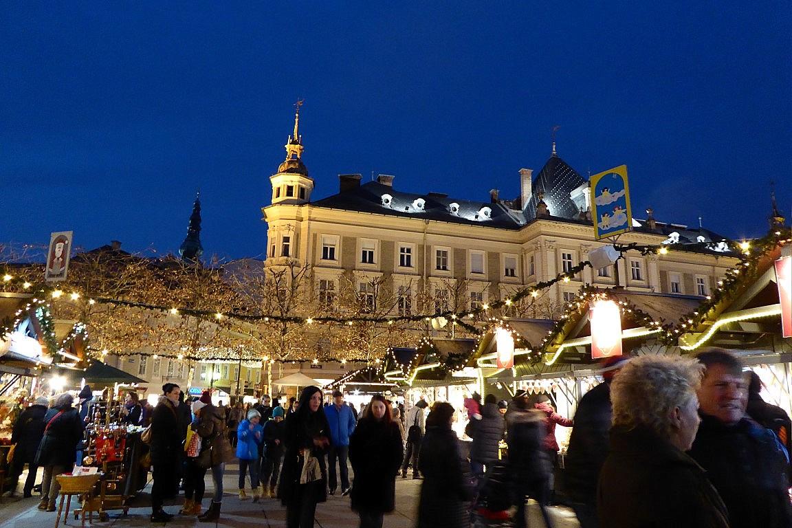 Weihnachtsmarkt-neuer-platz