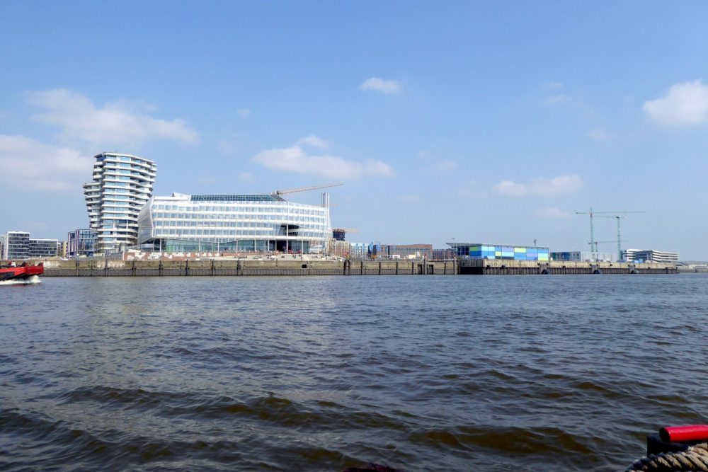 Unileverhaus und Kreuzfahrt-Terminal in Hamburg