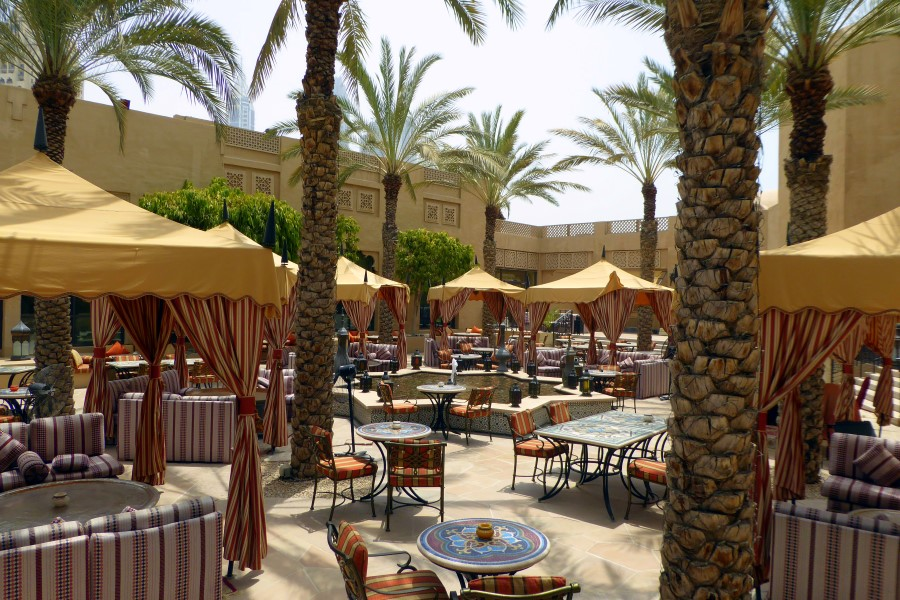 arabian-courtyard-royal-mirage