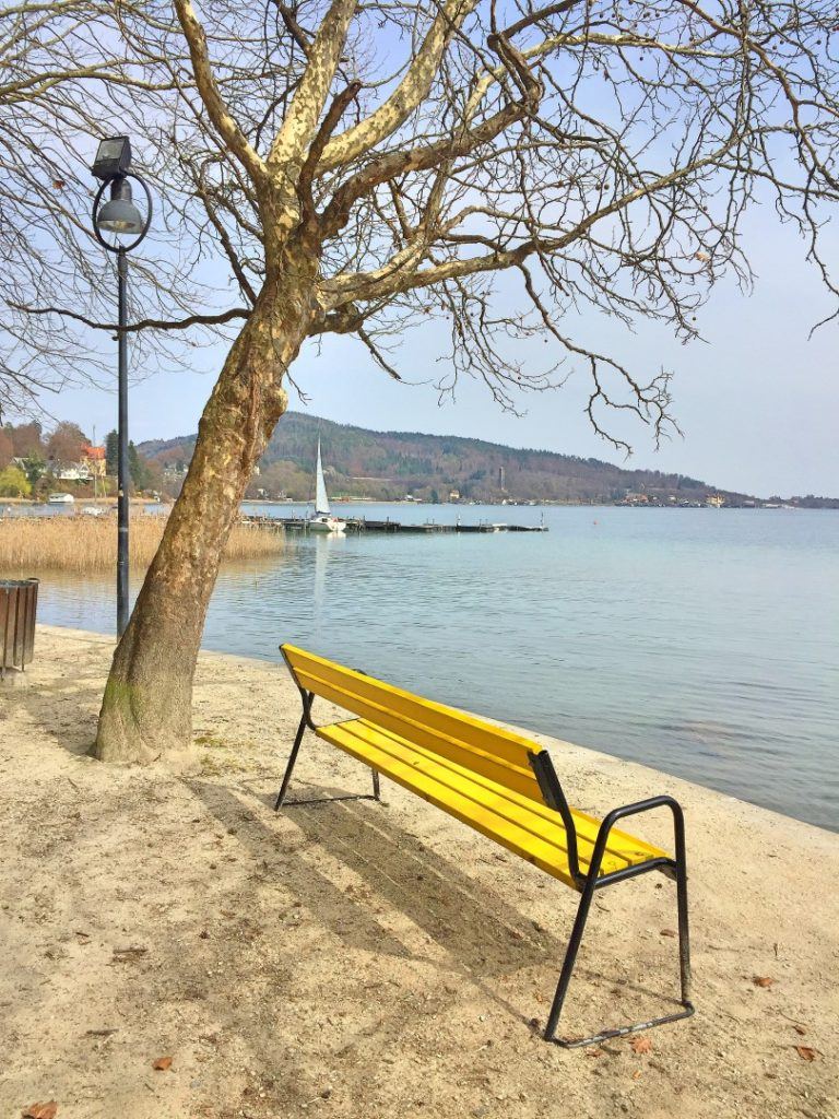 Frühling am See genießen