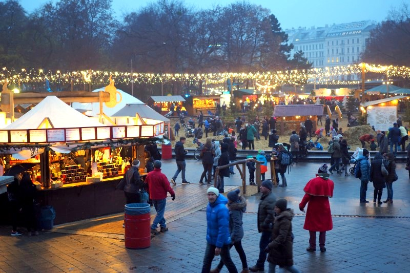 adventmarkt-karlsplatz