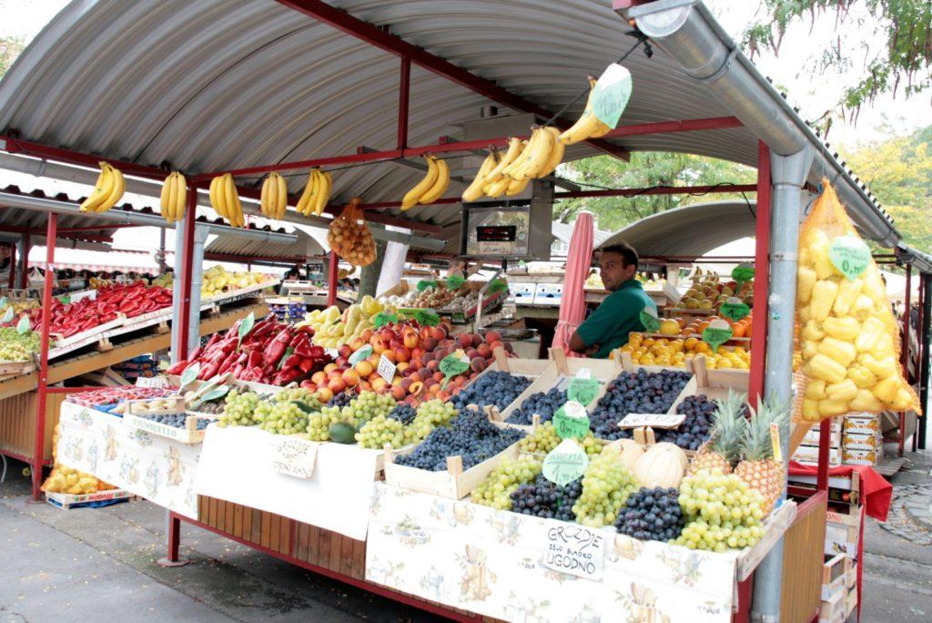am Markt gibt es leckeres Obst