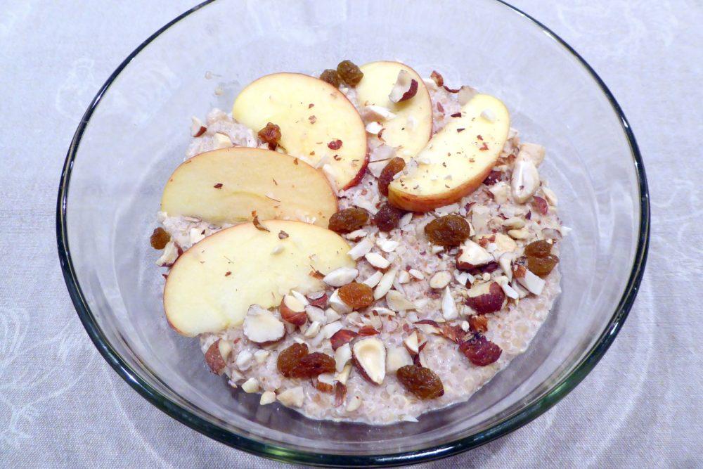 warmer Quinoa Frühstücksbrei