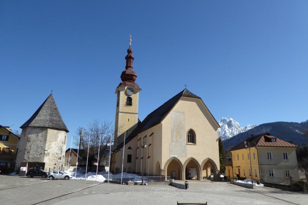 der Kirchenplatz von Tarvis