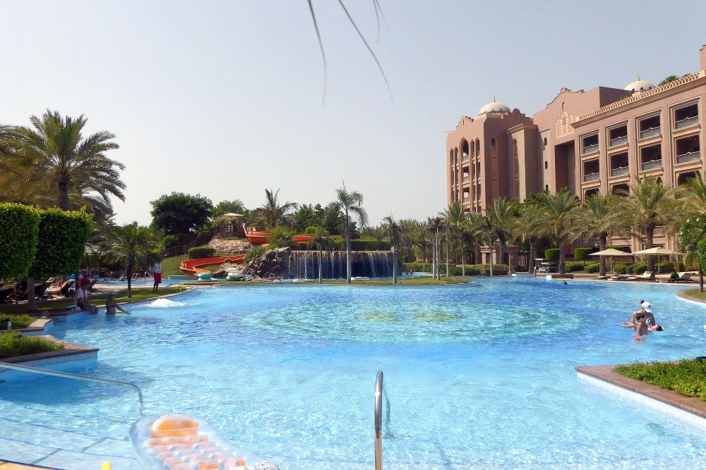 emirates palace pool