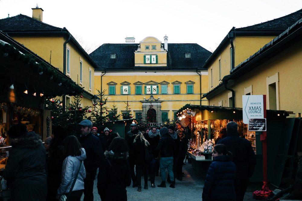Christkindlmarkt-Hellbrunn-Salzburg