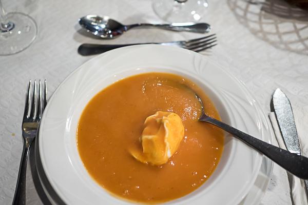Suppe mit Ei Madeira