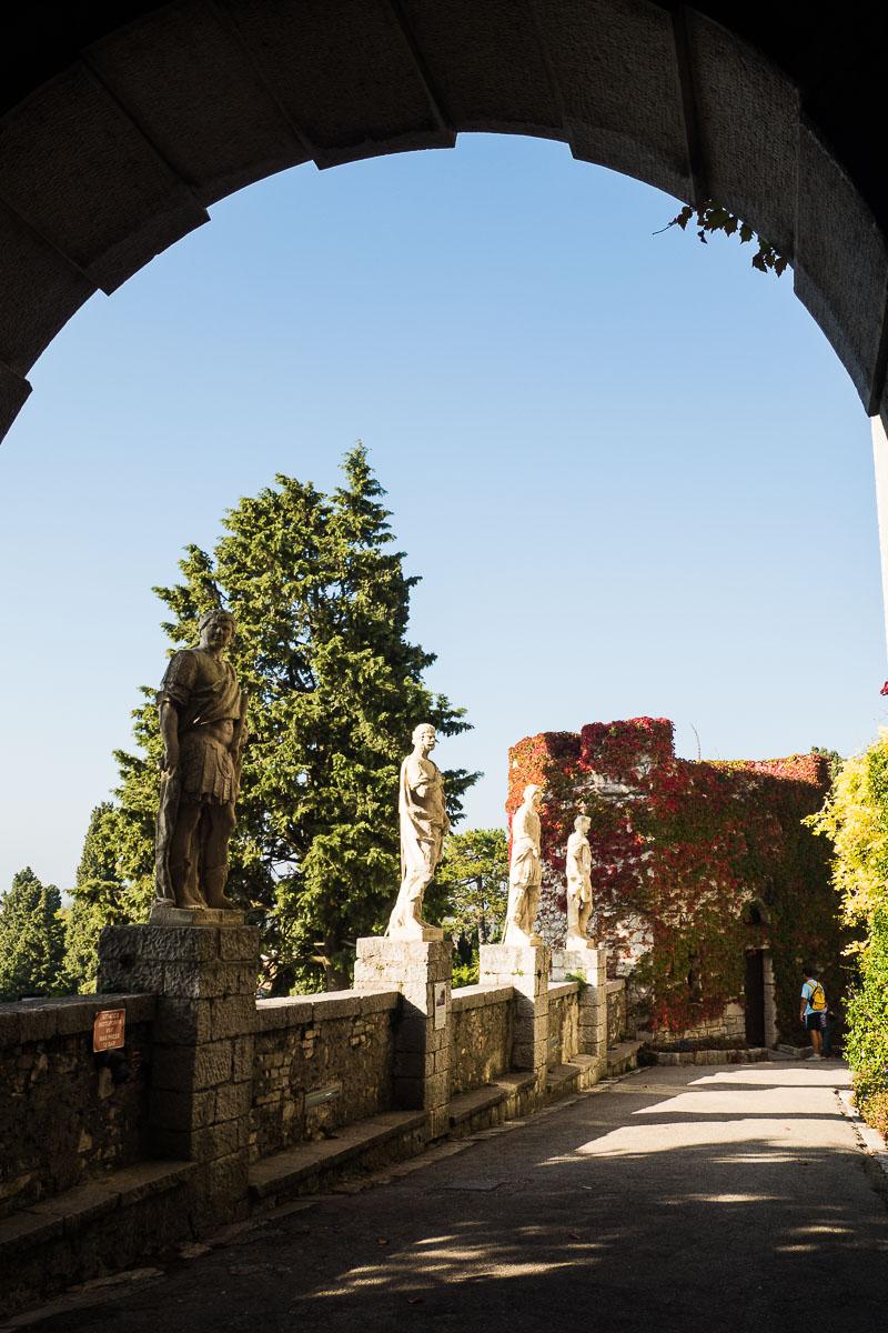Statuen-Schloss-Duino