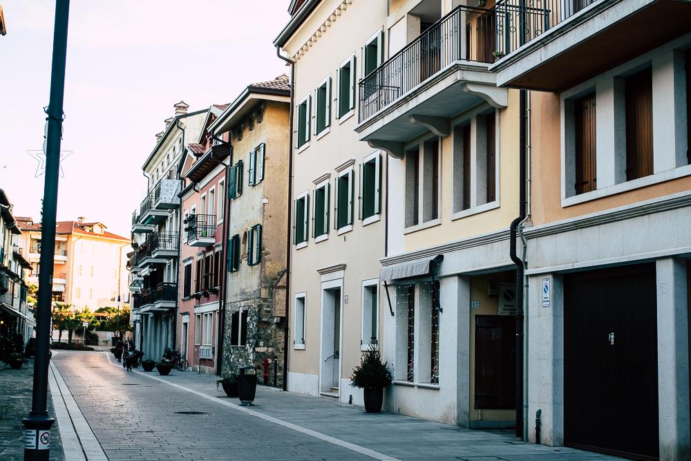 Altstadt von Grado im Winter
