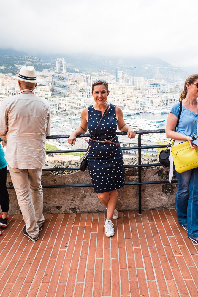 schickes Outfit für Monaco