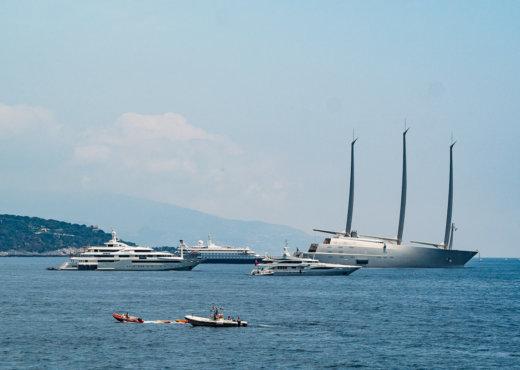 Sailing Yacht A im Hafen von Monaco