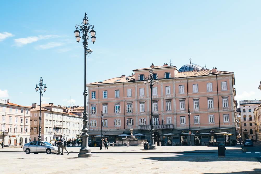 Triest-Italien-Piazza-Ponterosso