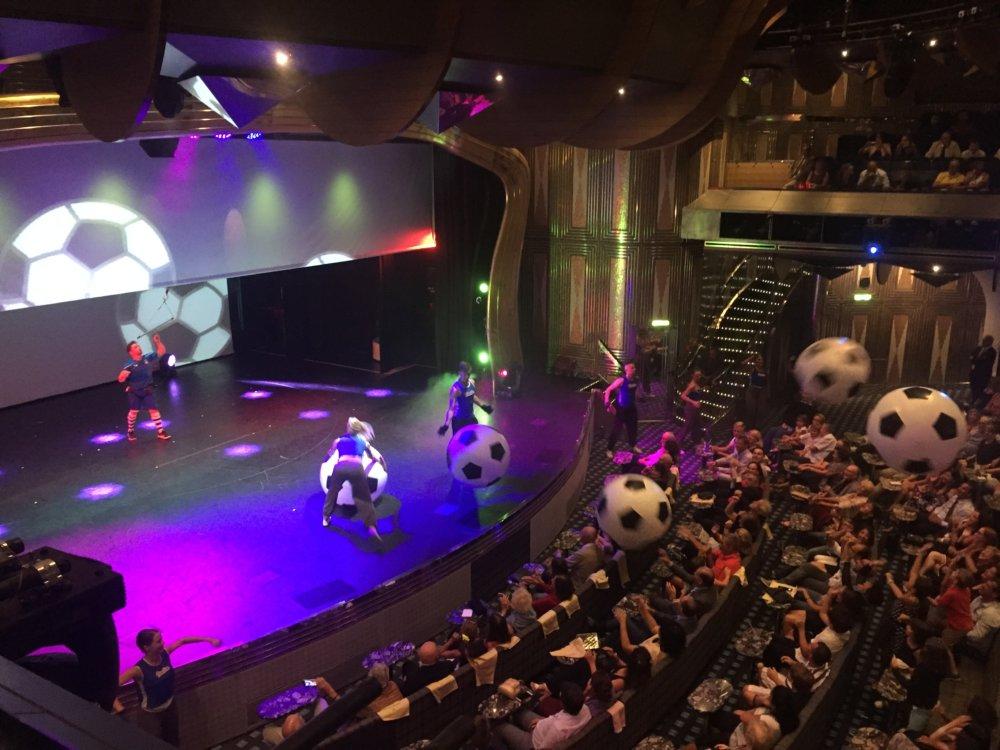 Unterhaltung-Theater-Schiff