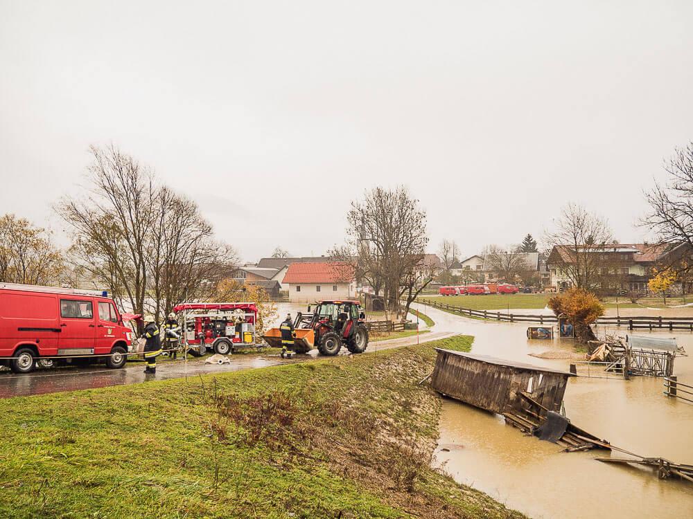 hochwasser-rattendorf-feuerwehren-einsatz-bezirk