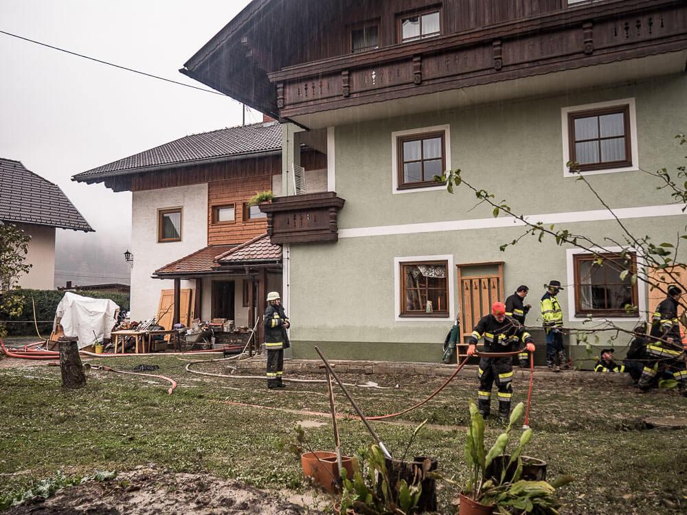 Einsatzkräfte-Hochwasser-Rattendorf-Hansbauerhof