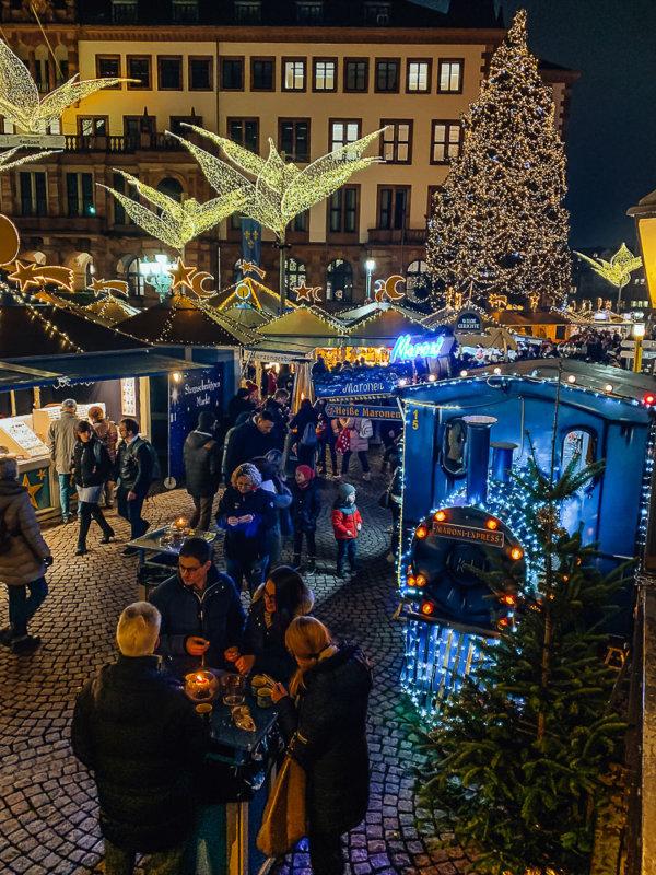 Sternschnuppenmarkt-wiesbaden-winter