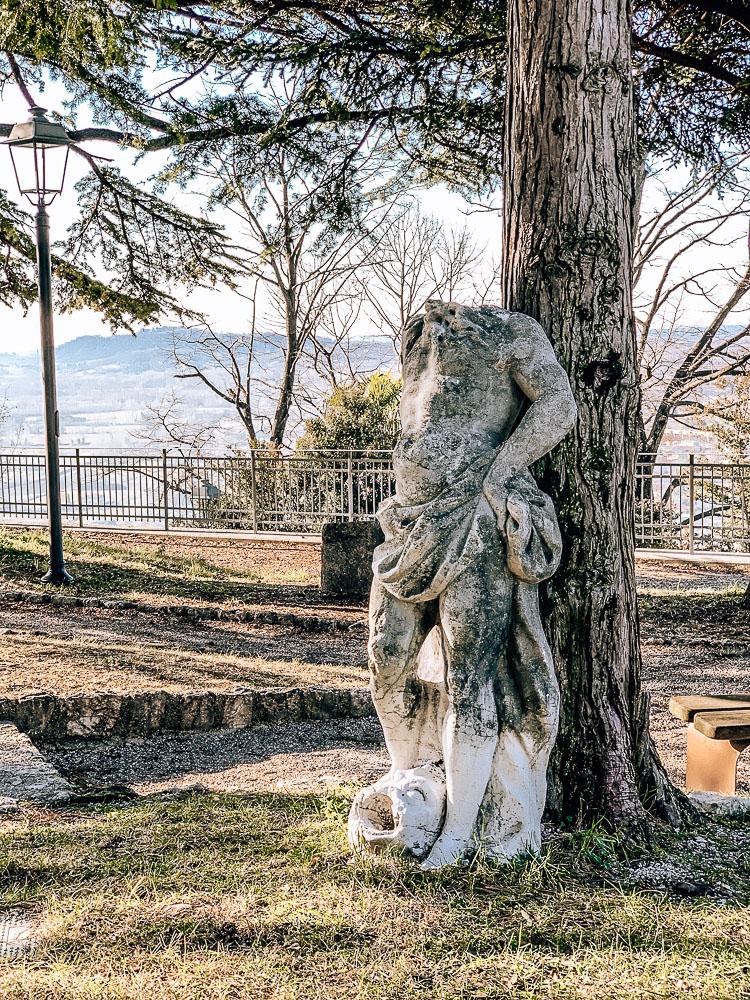 castello-gemona-skulptur