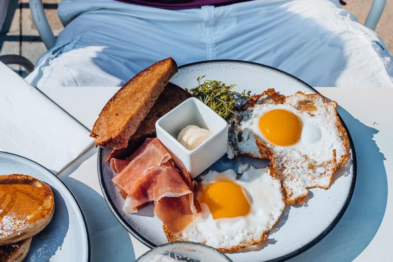 kylo-wien-ham-eggs