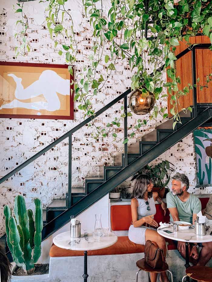 interior-cafe-janis