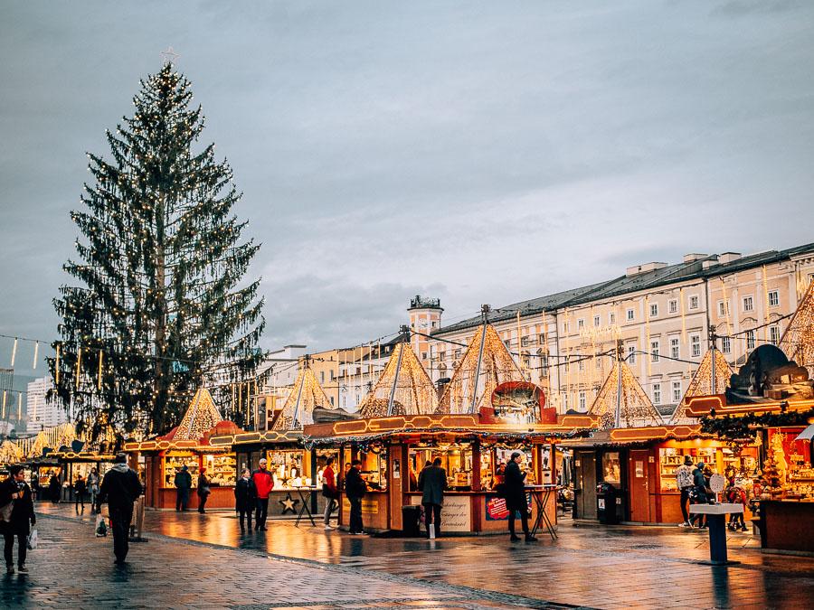 weihnachtsmarkt-hauptplatz-linz
