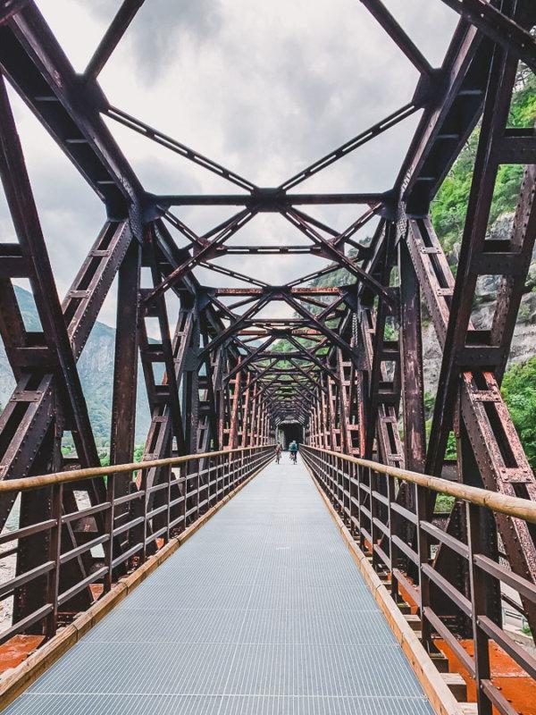 bahnbrücke-radweg